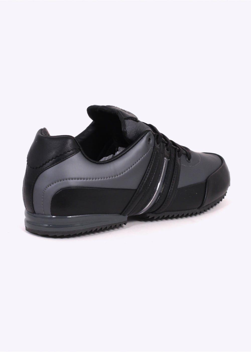 35d40ee2cb2ee Y3   Adidas - Yohji Yamamoto Sprint Trainers - Grey   Black
