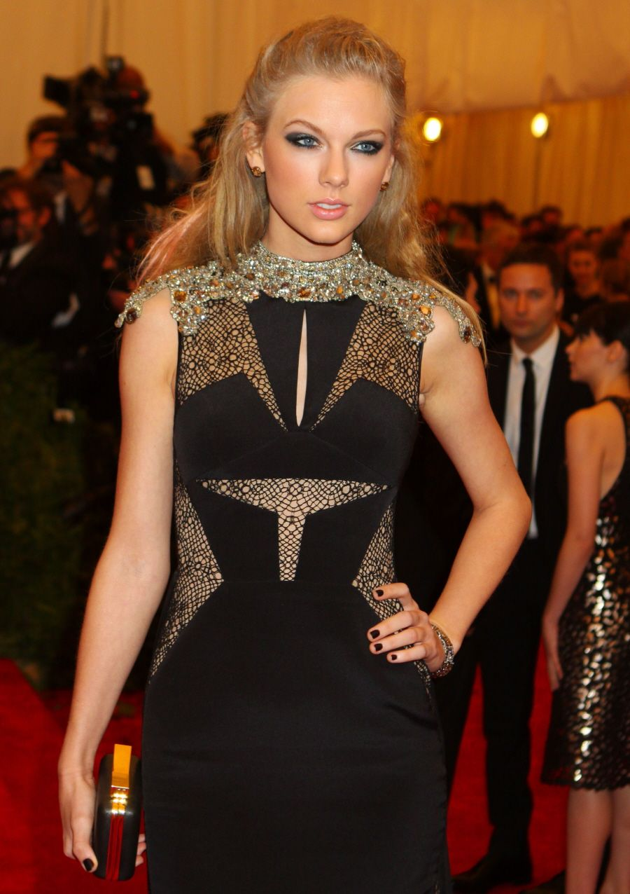 The dress access - Taylor Swift S Security Guards Won T Let Peasants Access The Public Beach