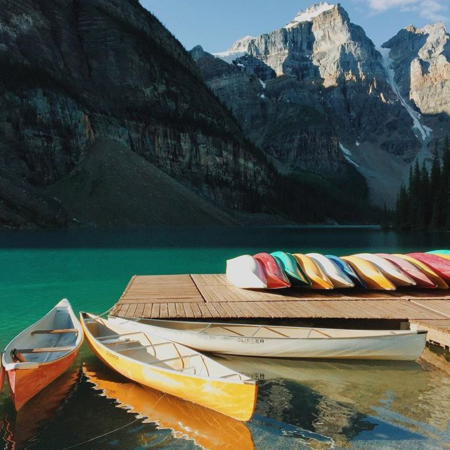 1stdibs On Instagram Color Us Impressed Canada S Breathtaking Moraine Lake By Sarahirenemurphy Show Us You Favorite Places What A Beautiful World Places