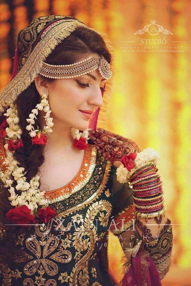 b05e3b9086 Pin by wahida on Mendhi | Pakistani wedding dresses, Bridal mehndi ...