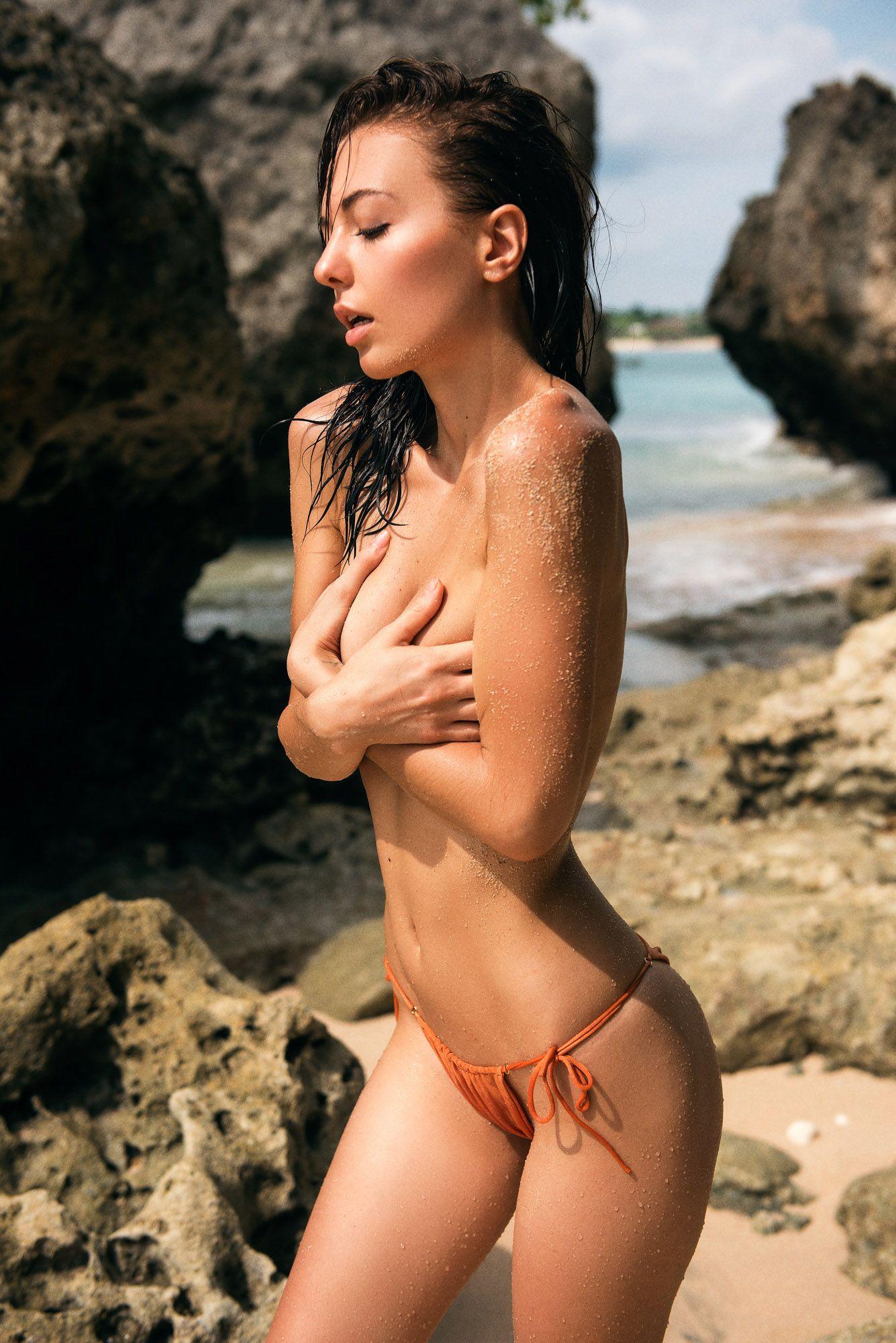 Klaudia Brahja naked (14 fotos), photos Boobs, Twitter, lingerie 2015