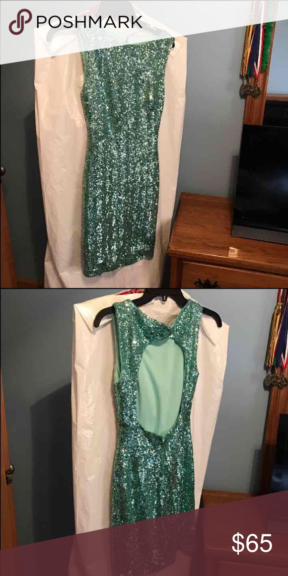 Homecoming/prom dress All sequins mint green dress only worn once! I paid close to 200 dollars for it B Darlin Dresses Mini