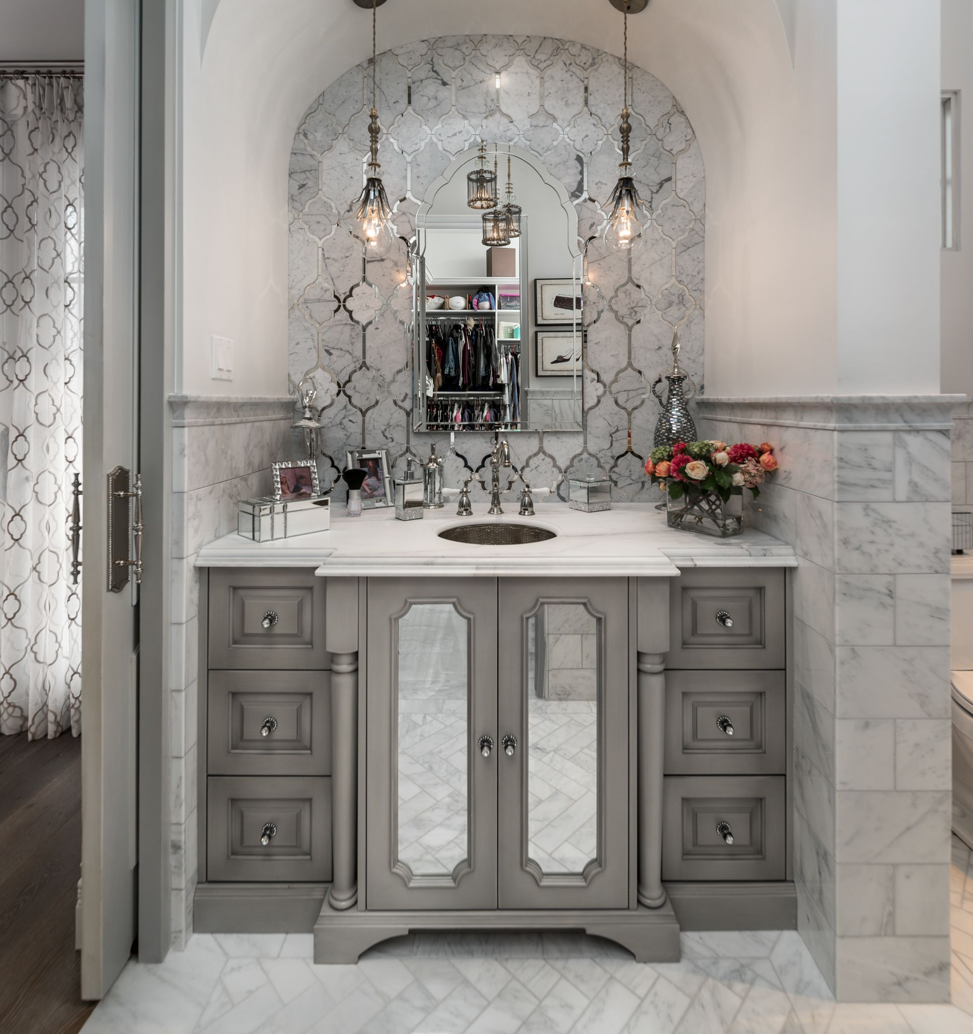 The Luxury Interior On Instagram Amazing Kitchen: Bathroom Vanity Designs, Amazing Bathrooms