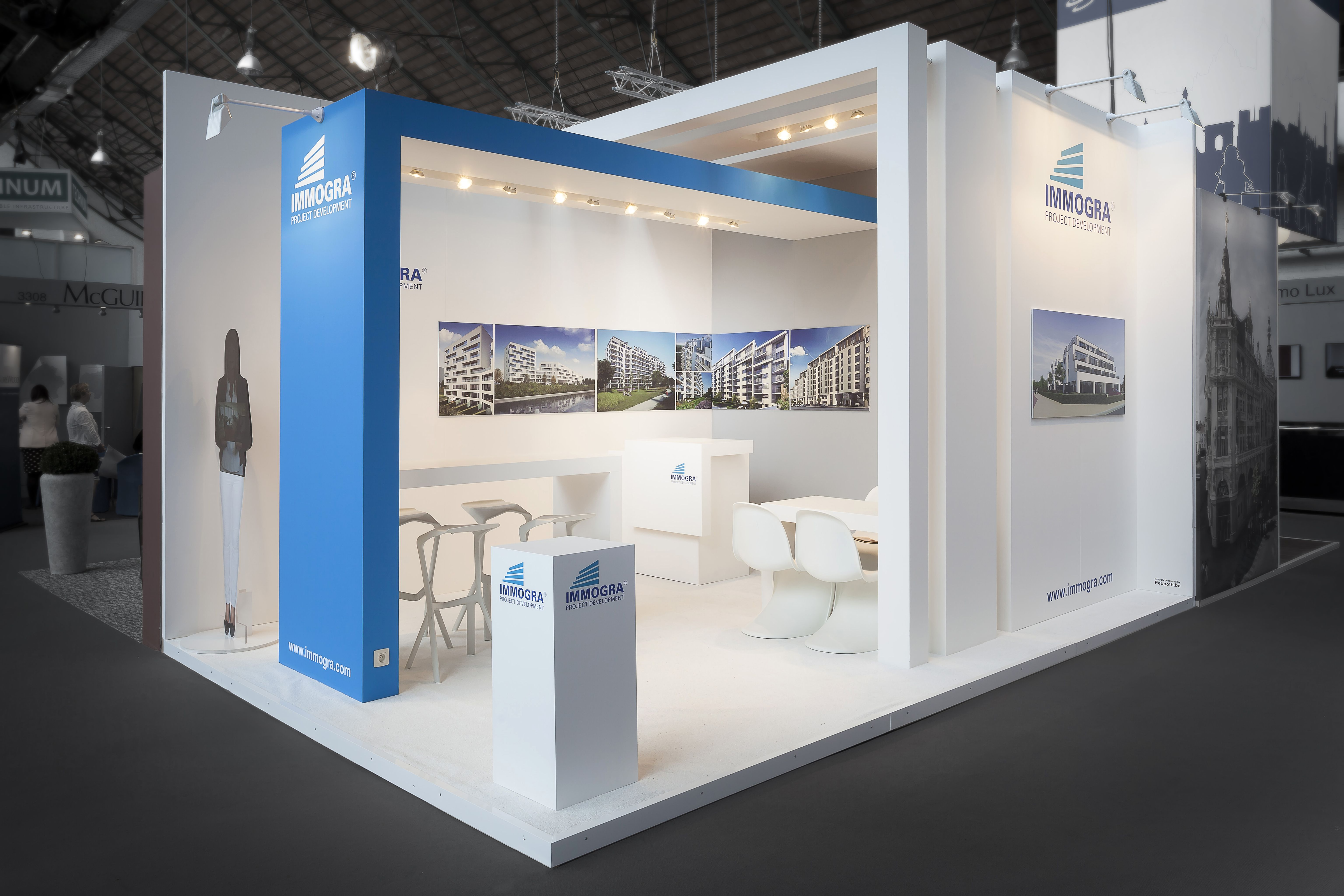 Exhibition realty 12 location tour taxis brussels surface 24m exhibition design for Location stand exposition