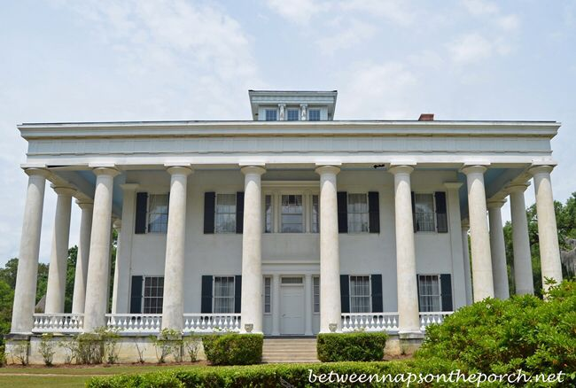 Image from http://betweennapsontheporch.net/wp-content/uploads/2014/05/Greenwood-Plantation-Greek-Revival-Home-in-St.-Francisville-Louisiana_wm.jpg.