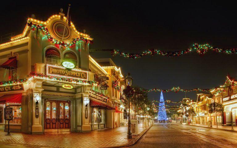 Disneyland Main Street At Christmas Live Wallpaper Disneyland Christmas Disney World Christmas Disneyland Main Street
