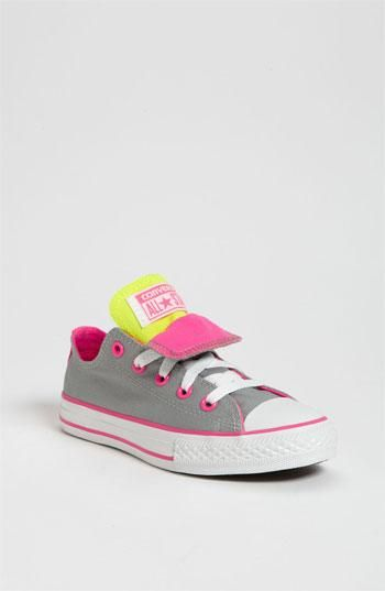 Tiny baby converse! | lil baby | Kid shoes, Cute baby shoes
