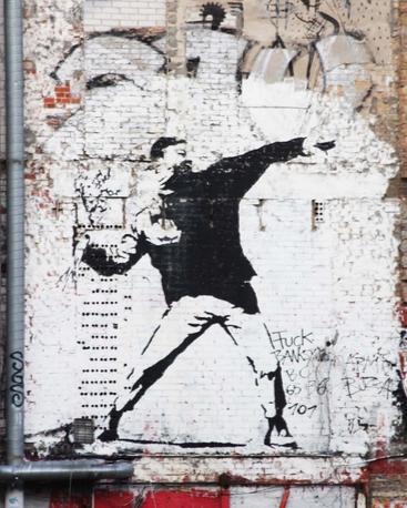 Street Art In Berlin Street Art Banksy Banksy Art