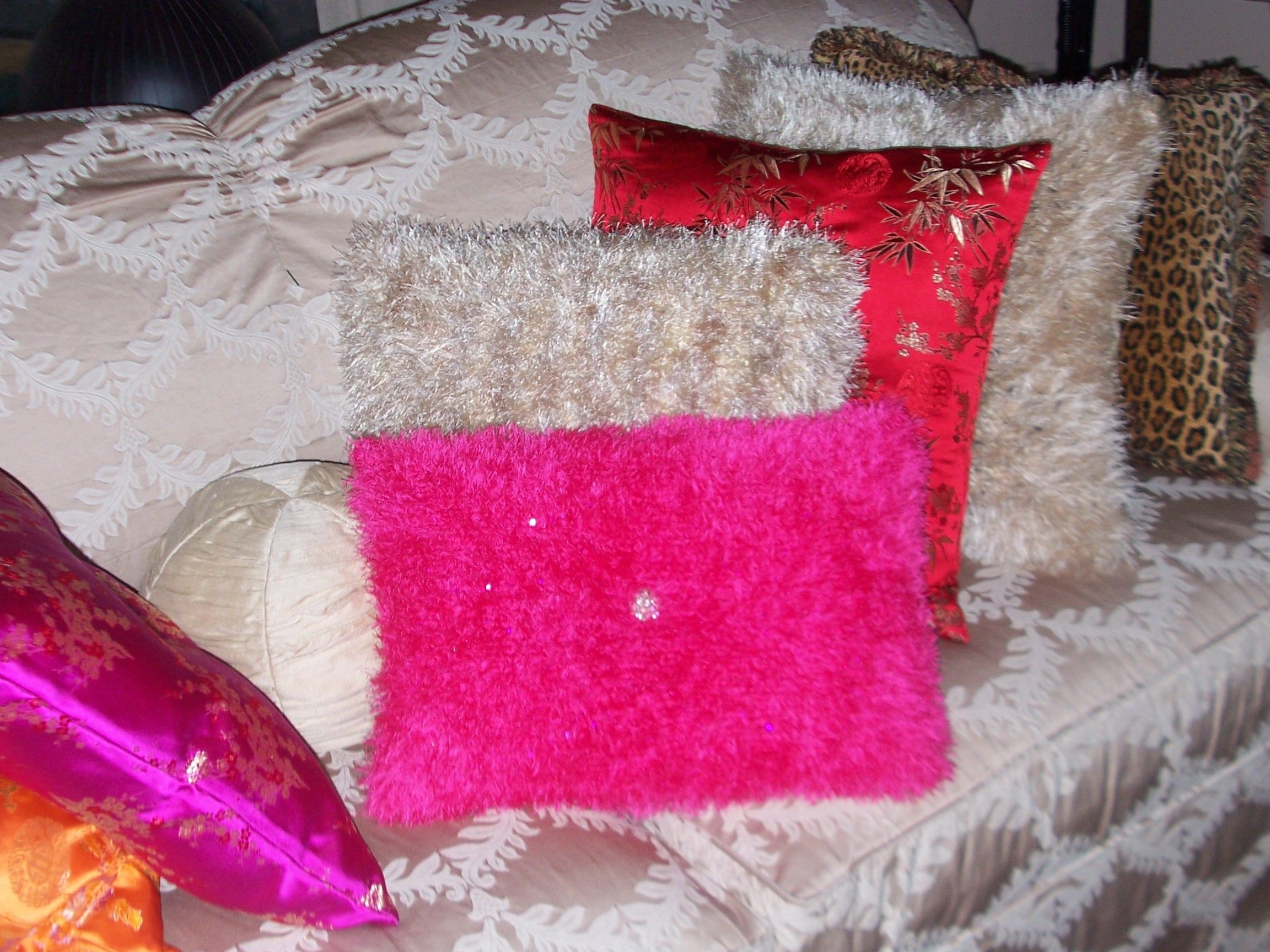DIY fuzzy pink pillow with a rhinestone for bling   Furniture ...