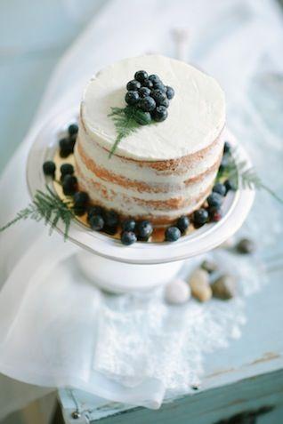 Blueberry naked cake ⎪Olga Siyanko and Natalia Savtyra⎪see more on: http://burnettsboards.com/2015/08/blue-botanical-bridal-boudoir/