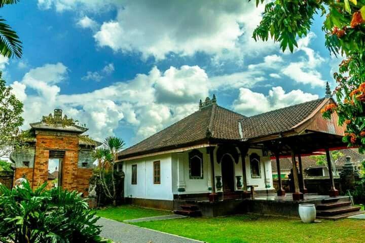 Bale Ukir of Puri Anom Tabanan - Bali (Dengan gambar)