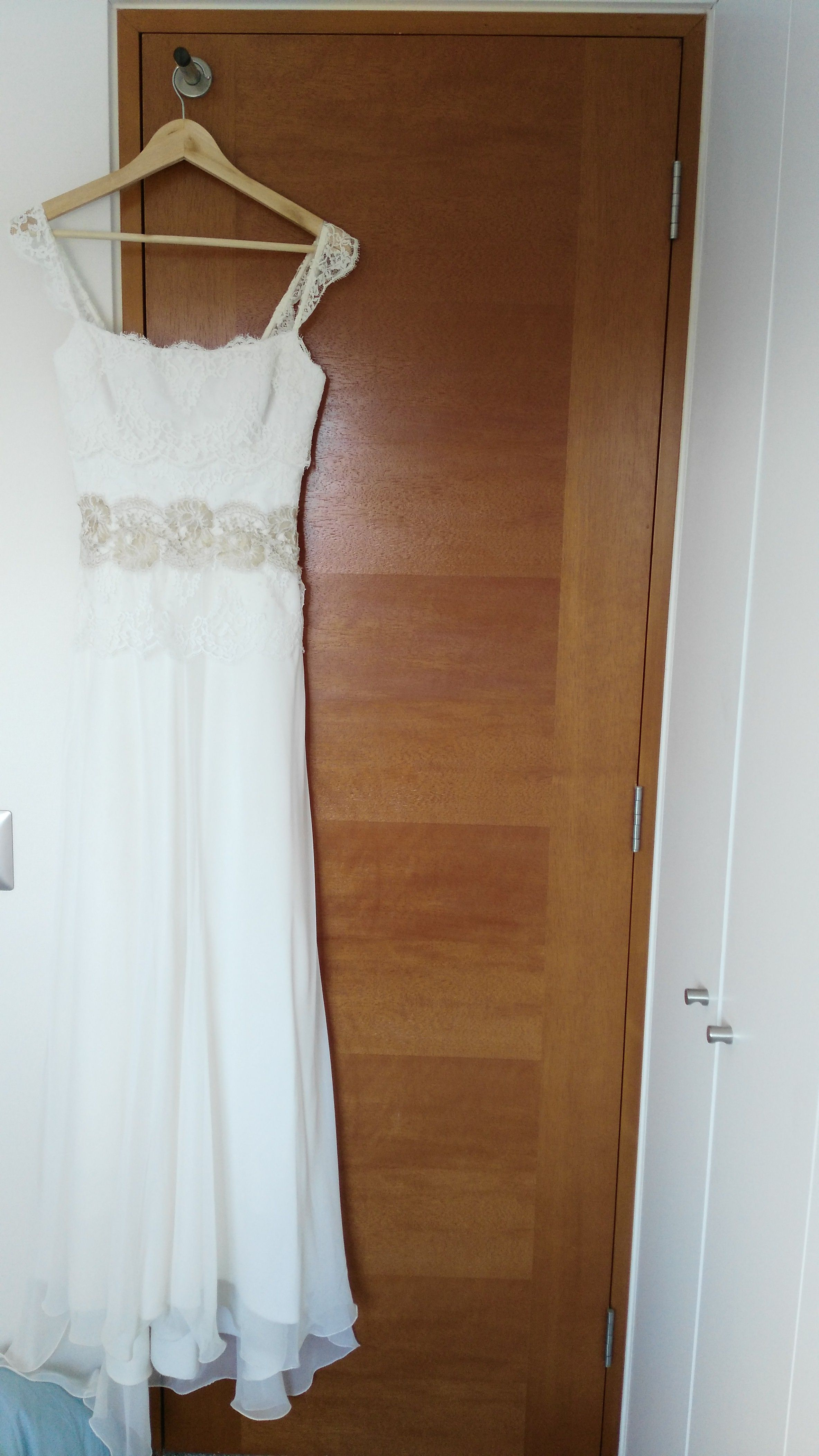 ¡Nuevo vestido publicado!  Hecho a mano - T38 ¡por sólo $450000! ¡Ahorra un 36%!   http://www.weddalia.com/cl/tienda-vender-vestido-novia/hecho-a-mano-t38/ #VestidosDeNovia vía www.weddalia.com/cl