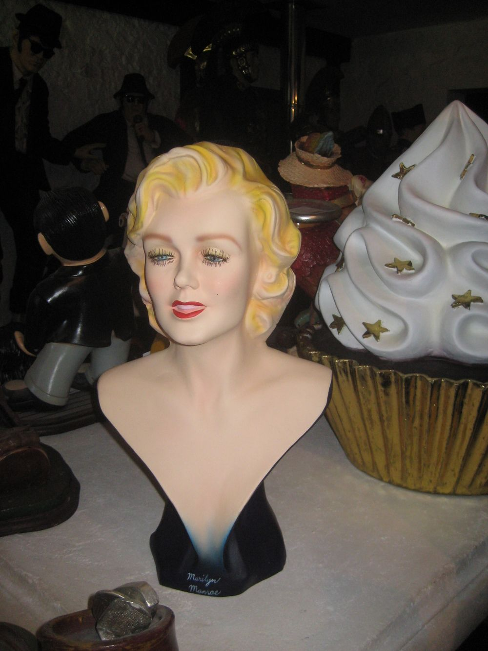 marilyn monroe head display | Actress Bust (JR 255) - The Jolly Roger - Life Size 3D ...