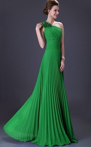 226b4caac71b Luxusné spoločenské šaty pre moletky od 36 po 54