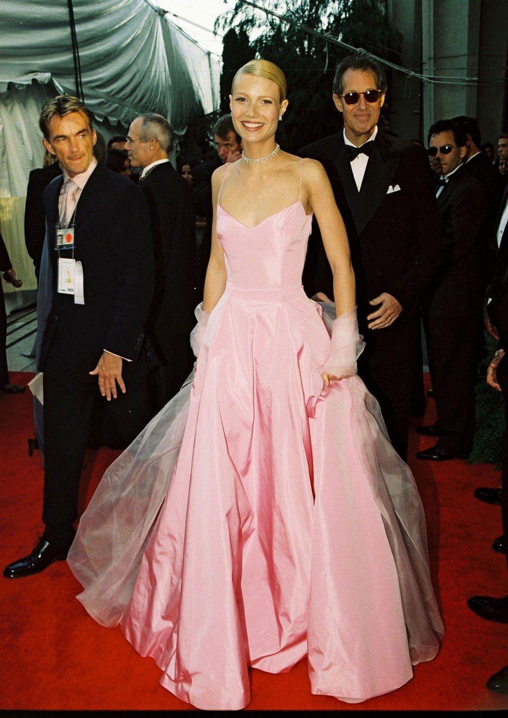 Gwyneth Paltrow Has Some Pretty Interesting Plans for Her Old Oscar ...