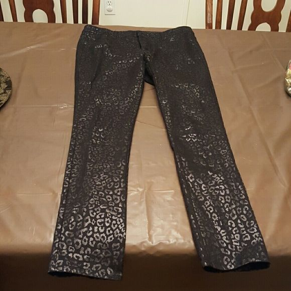 Skinny black pants Perfect for dress up or casual Nicole by Nicole Miller Pants Skinny