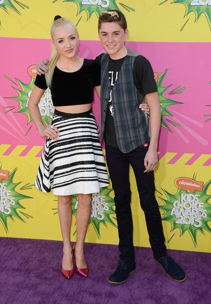 Are Cameron And Peyton Dating From Jessie
