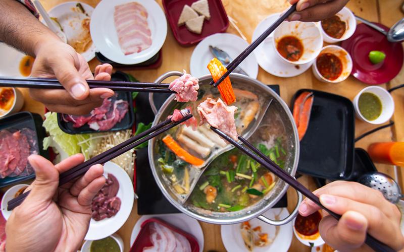 Cara Menikmati Shabu Shabu Sebenarnya Di 2020 Shabu Shabu Cara Memasak Daging Babi