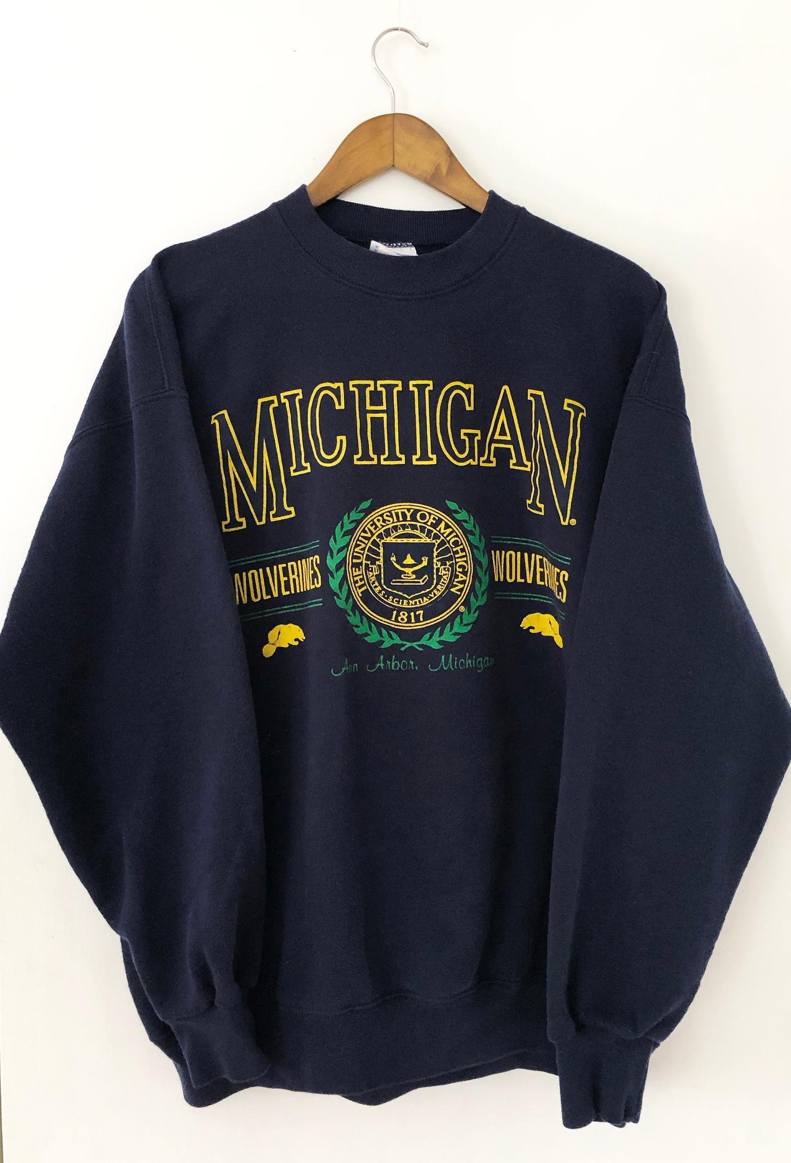 Vintage Navy Blue Ncaa University Of Michigan Wolverines Basketball Football Crewneck Pullover College Sports Sweatshirt Champion Xxl 2xl Vintage College Sweatshirts Sweatshirts College Crewneck Sweatshirts [ 2336 x 1588 Pixel ]