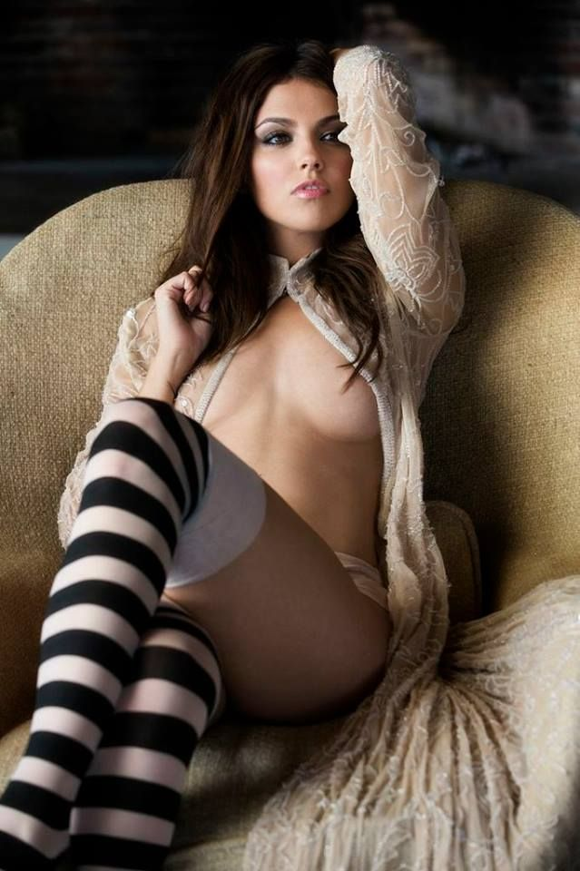 hot-sexy-naked-girl-with-high-socks
