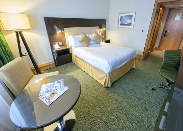 A Stay In The Centre Of Southampton At An Iconic Waterfront Hotel With Breakfast And