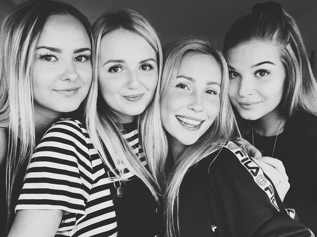 """769 Likes, 1 Comments - Elizaveta (@liisaelizaveta) on Instagram: """"mun murut, lempprarit, rakkaat, parhaat ja kaikkee sellast!❤️ #blondit"""""""