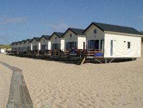 Breezand Beachhouses VVV Zeeland Strandbungalows
