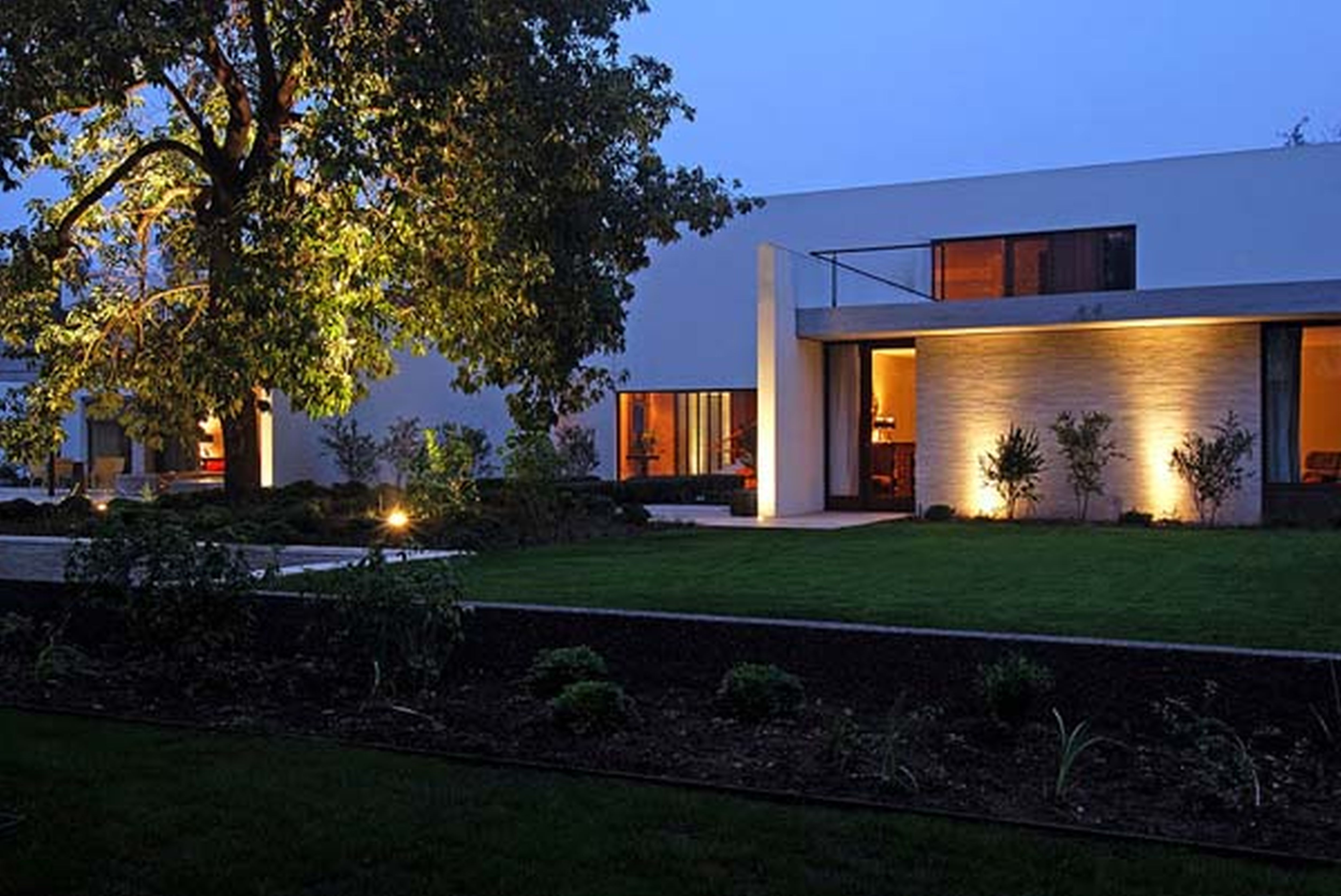 modern mansions. Luxury Modern Mansions. Luxurious Hollywood Mansion Oriole Way . Mansions Y