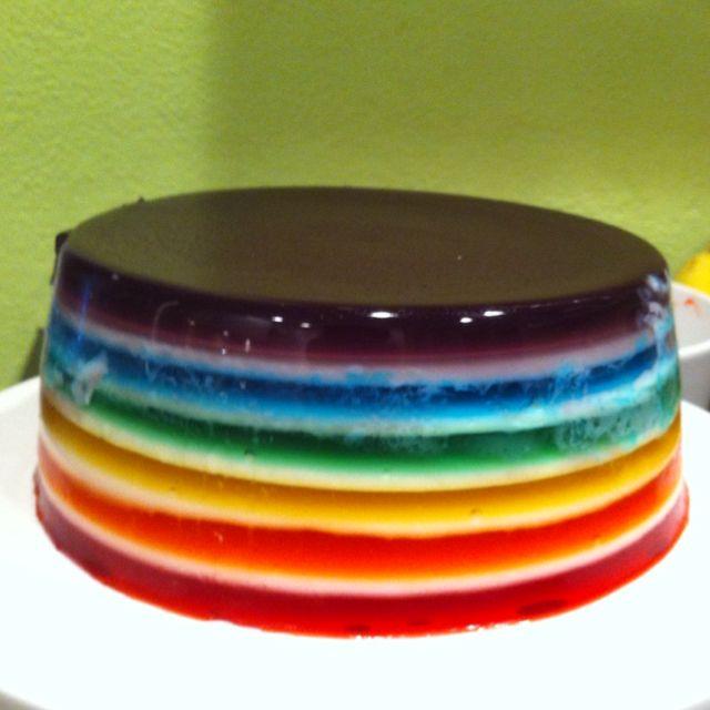 Yes I Will Eat It, Tonight : Rainbow jello á la the incomparable Tania Derrington.