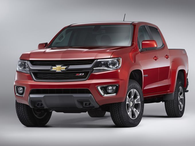 Chevy Colorado Mid Size Truck With Big Plans Risks Chevrolet