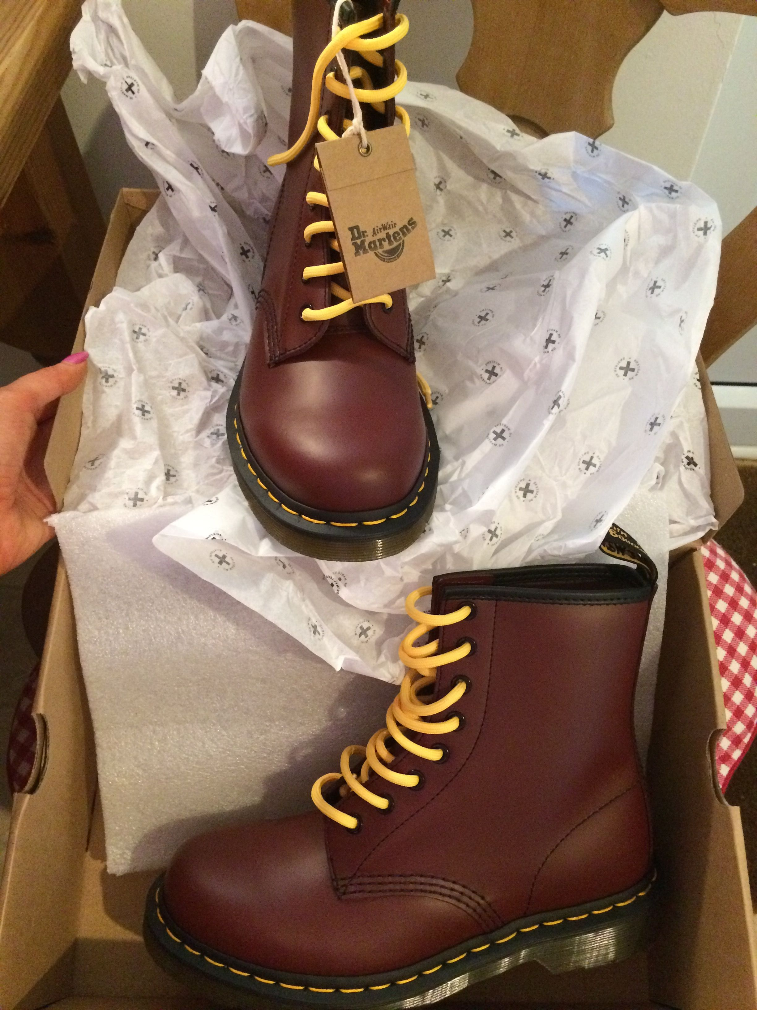 bb6b78e438fa22 Ox blood and yellow laces