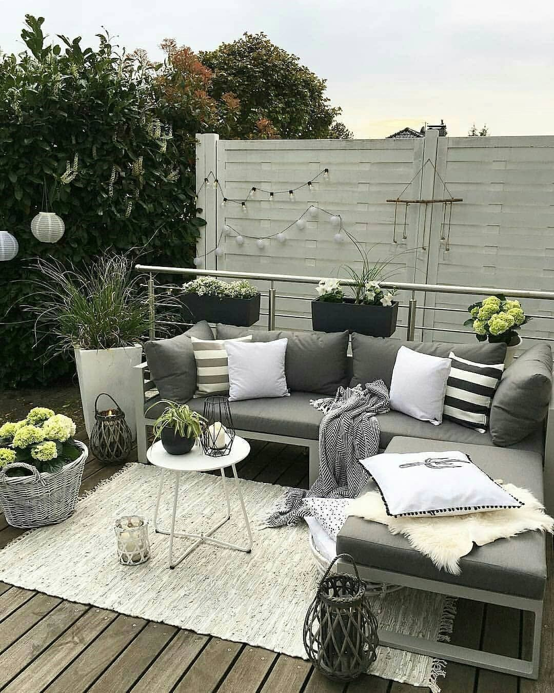 Goodevening Home Lovers We Are Loving This Outdoor Setting