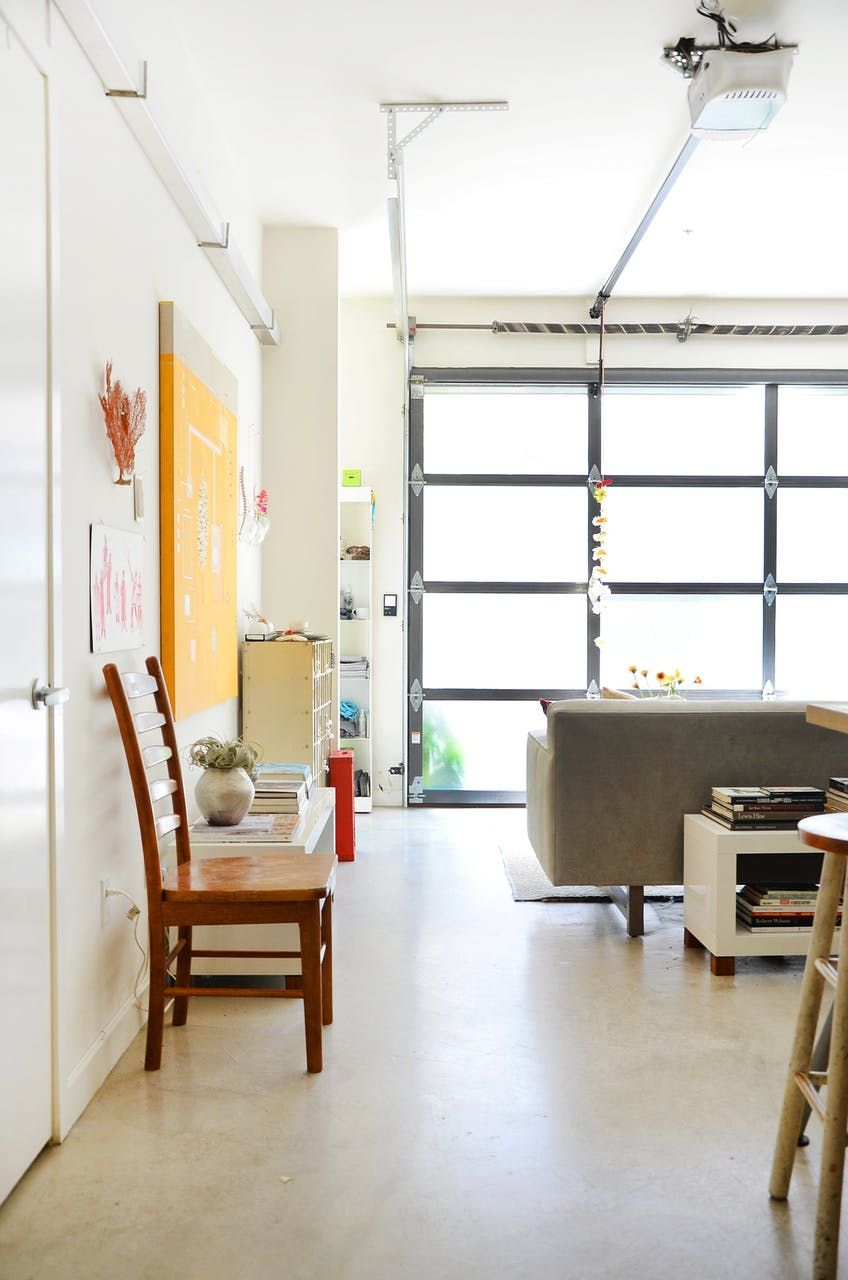 See How Two Identical Lofts Decorated Totally Differently ...