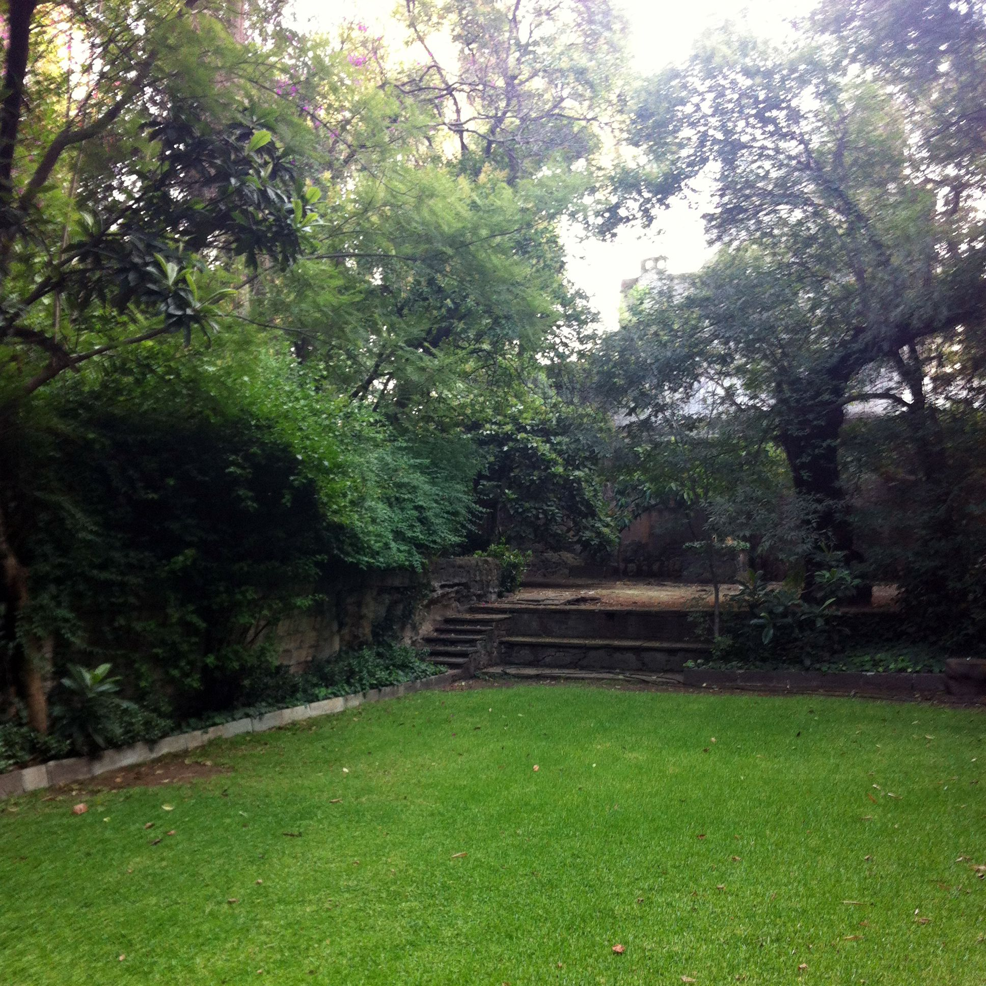 Jardines casa ortega residencia de luis barrag n for Ver jardines pequenos de casas