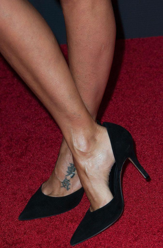 natalie imbruglia feet