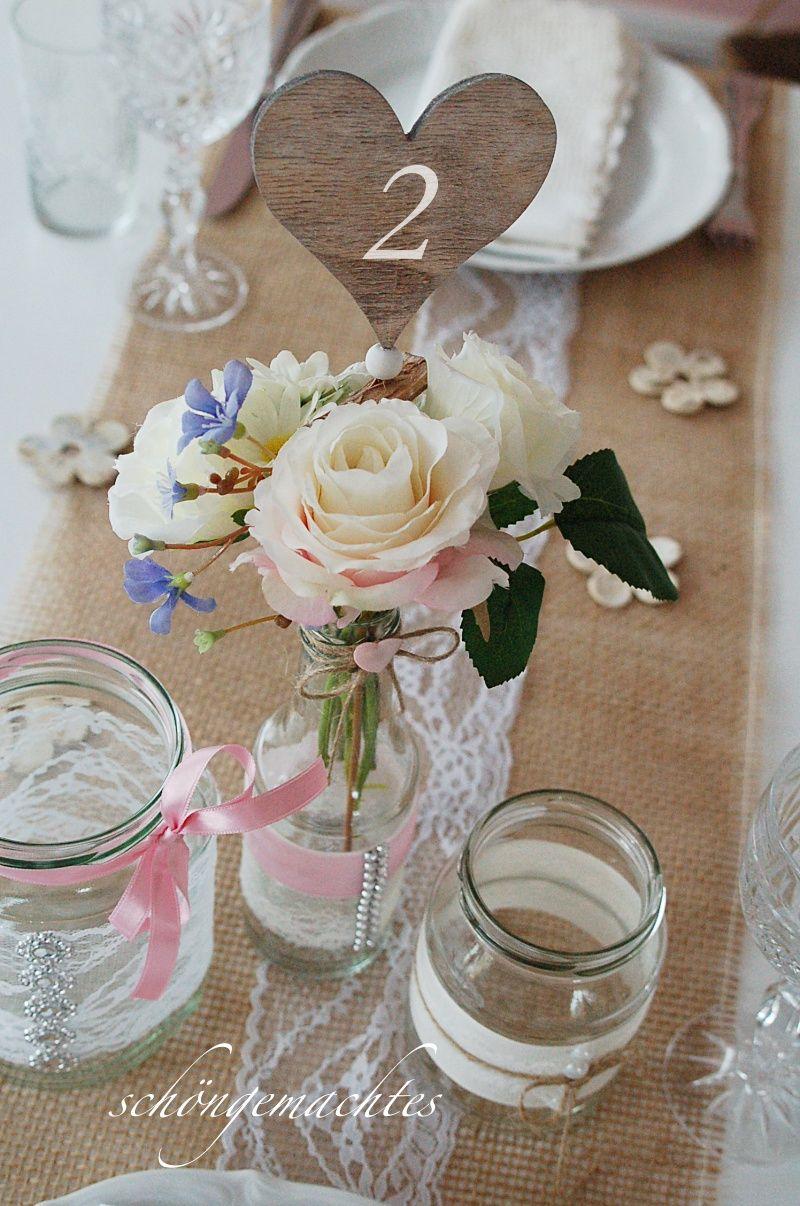 Holzherzen Als Tischnummern Ganz Einfach Zwischen Die Blumen