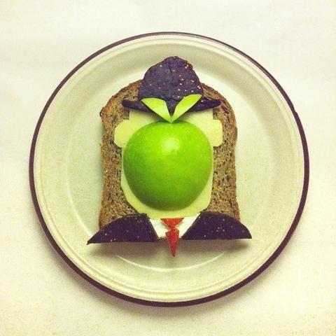 Famous Works of Art Beautifully Recreated With Breakfast Food   Photographer Ida Skivenes