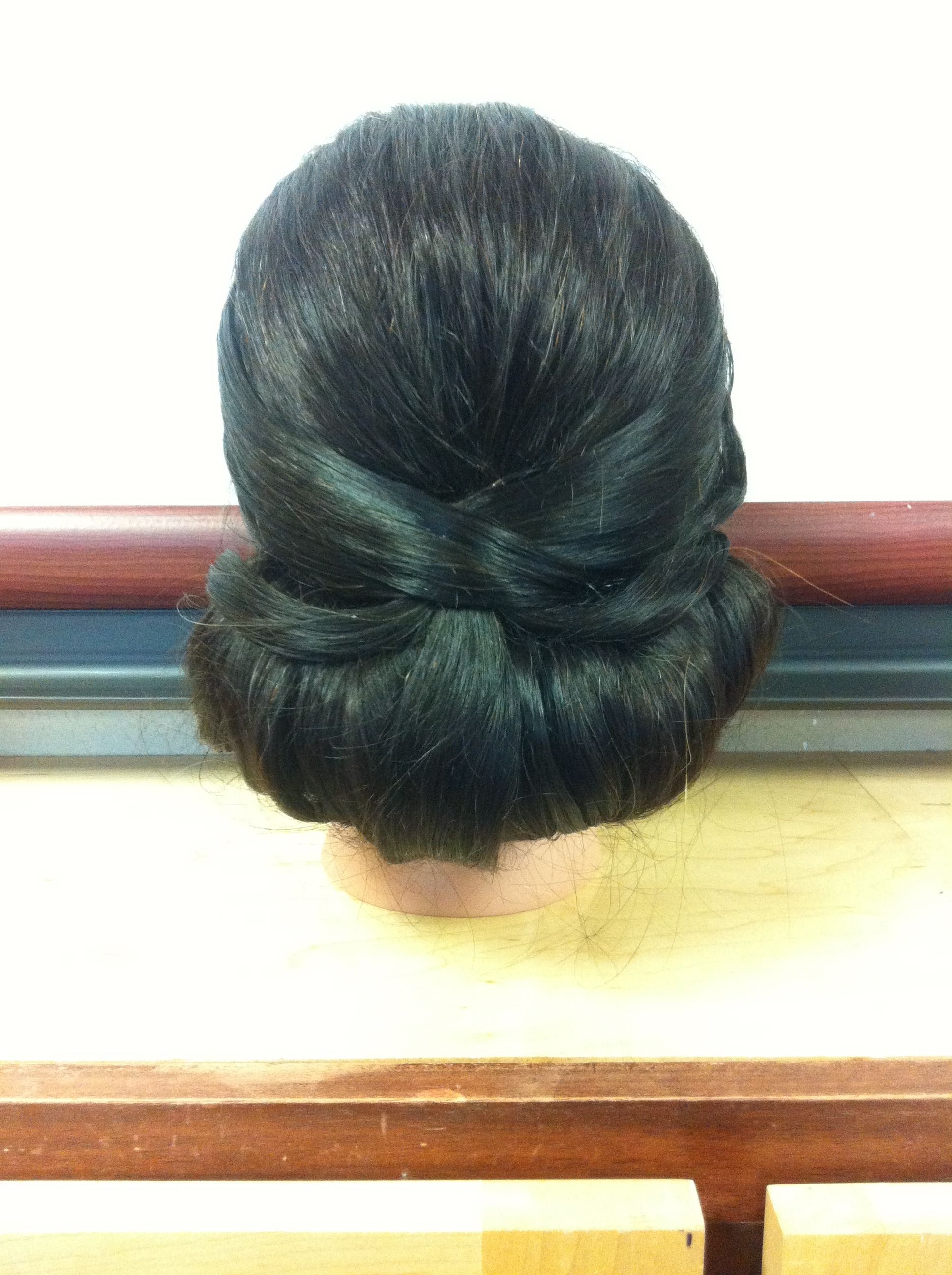 Vintage updos victory rolls pinup hair styles simplicity