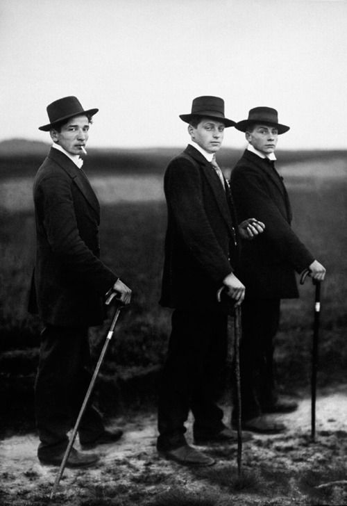 http://firsttimeuser.tumblr.com/post/24245832787/young-farmers-by-august-sander