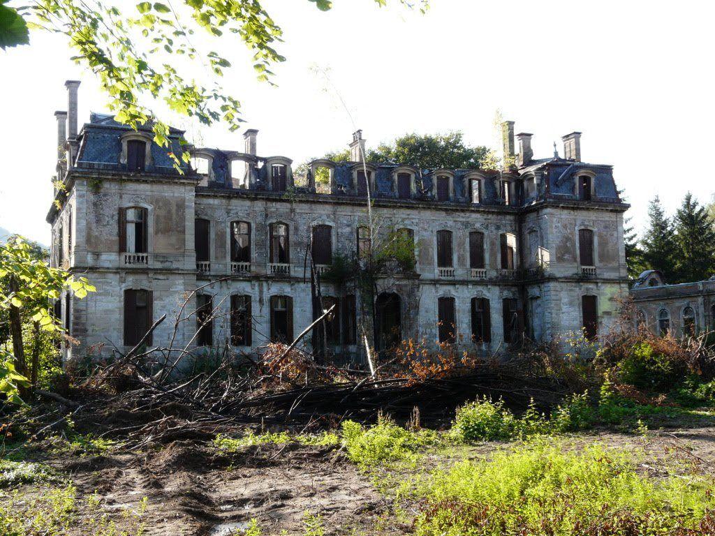 """Résultat de recherche d'images pour """"chateau abandonné lieu"""""""