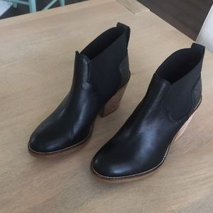 I just discovered this while shopping on Poshmark: Black Booties. Check it out! Price: $65 Size: 6