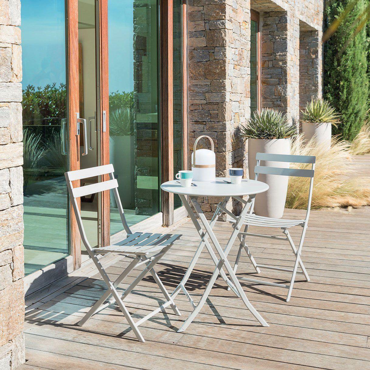 une table et des chaises pliantes pour le balcon terasse. Black Bedroom Furniture Sets. Home Design Ideas