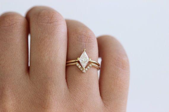 Pin On Gowns N Eco Rings N Pretty Things