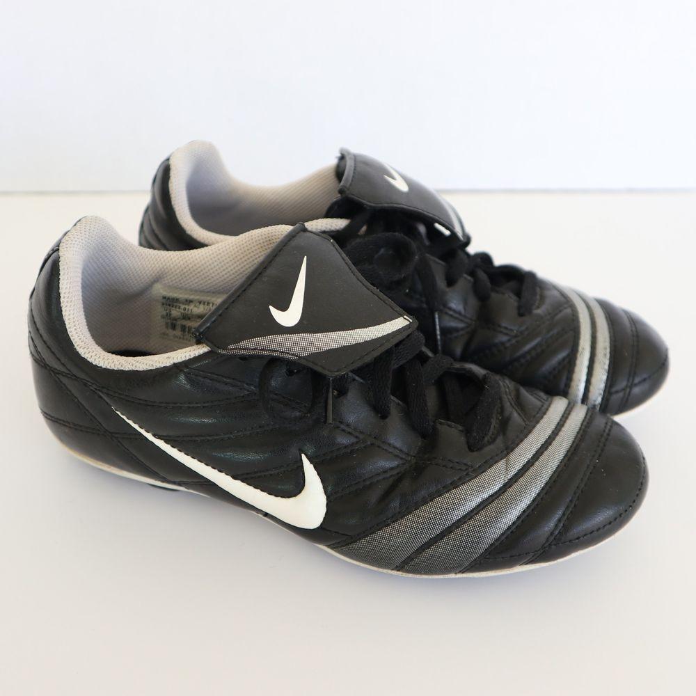 Nike boys land soccer football cleats black white sz 3 y