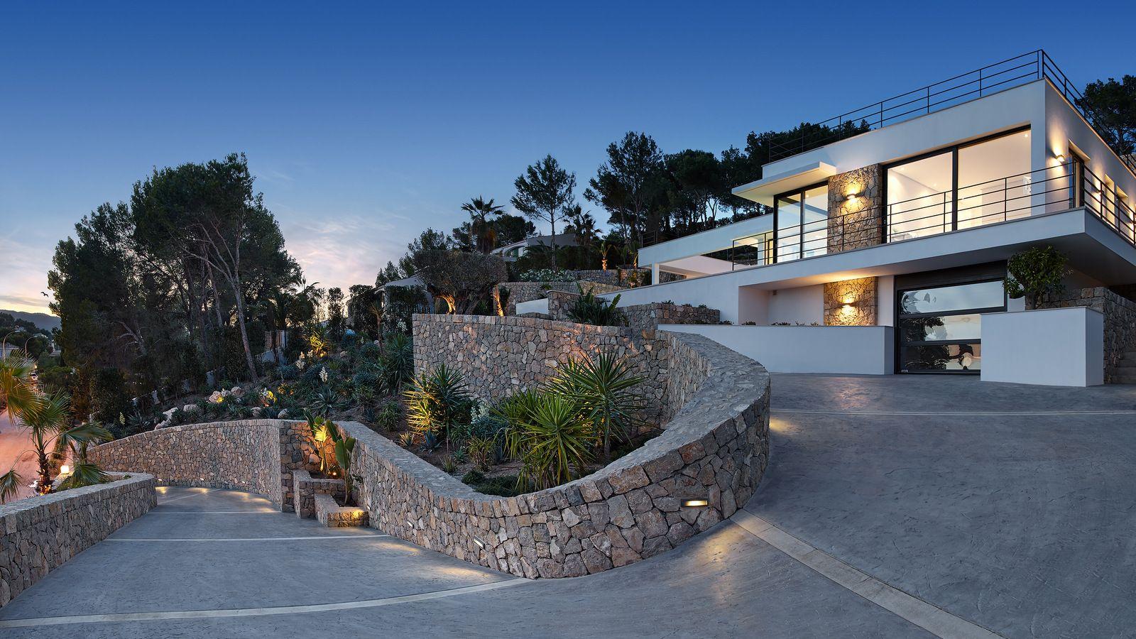 Neu : Designer Luxusvilla in bester exklusiver Lage ! http://www.casanova-immobilienmallorca.de/de/suchergebnis/2451102/Luxus-Immobilie-Mallorca-in-ruhiger-zentraler-Wohnlage