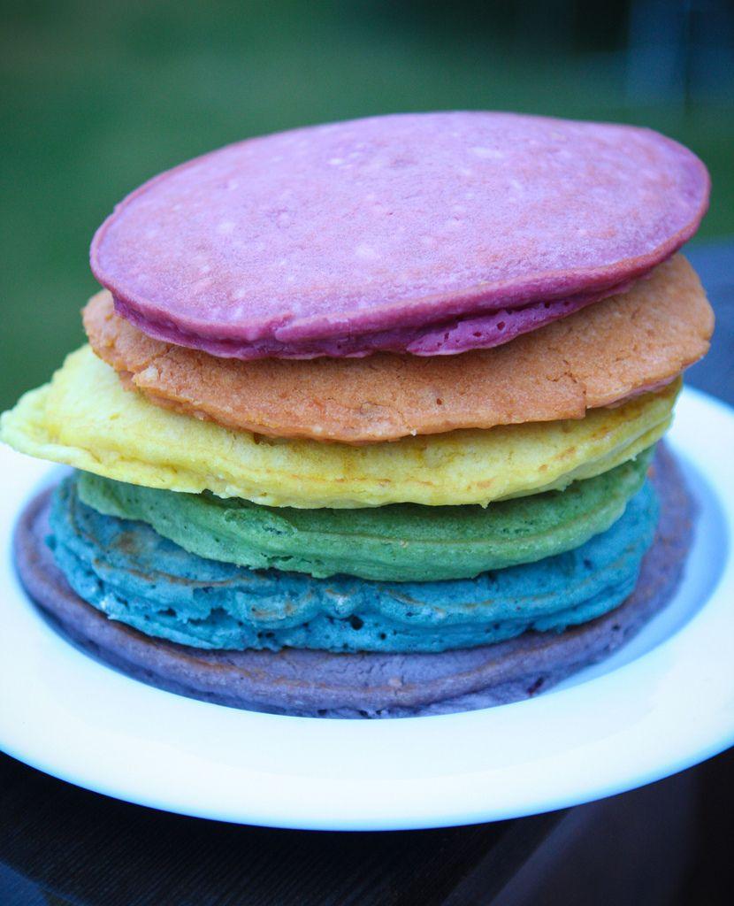 die besten 25 regenbogen pfannkuchen ideen auf pinterest osterideen ostern zeug und ostern. Black Bedroom Furniture Sets. Home Design Ideas