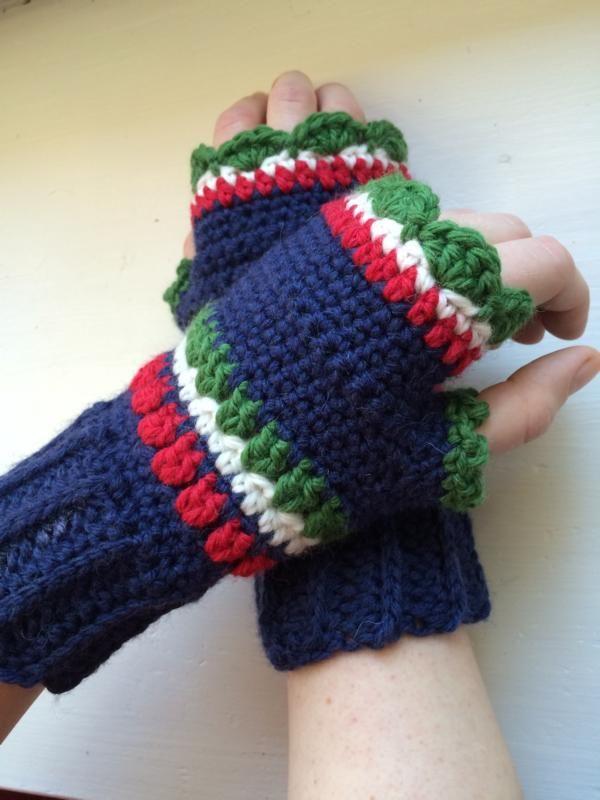 Crochet wrist warmers pattern | LUVAS | Pinterest | Armstulpen ...