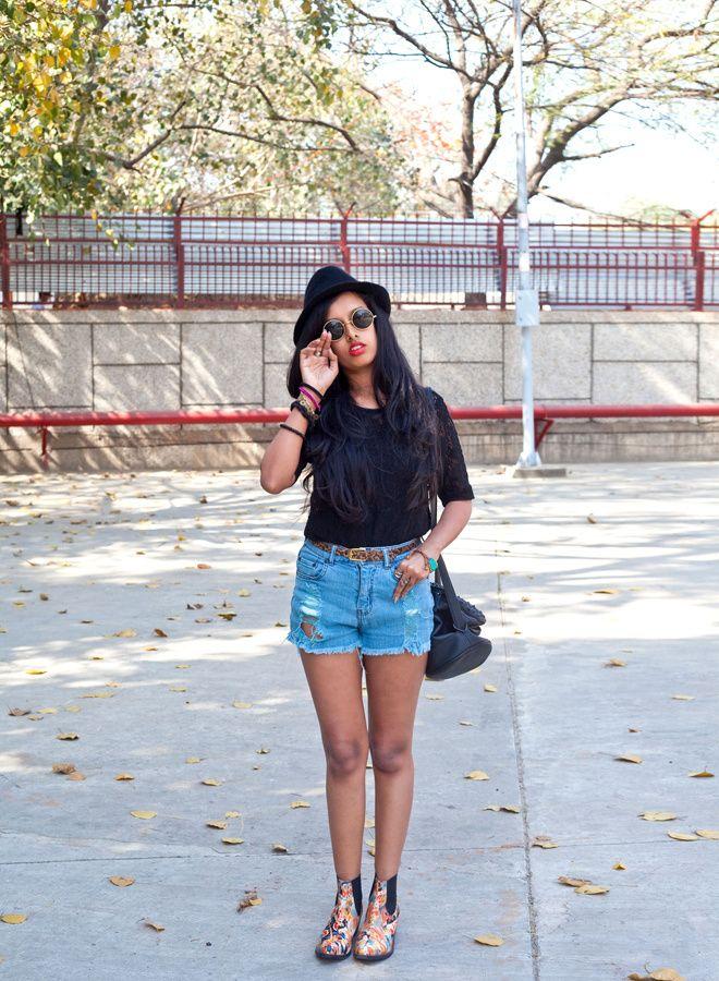 2013.03.24_IndiaFashionWeek_StreetStyles_Girls01
