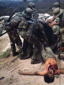 resultado de imagen de vietnam war photos graphic conflict