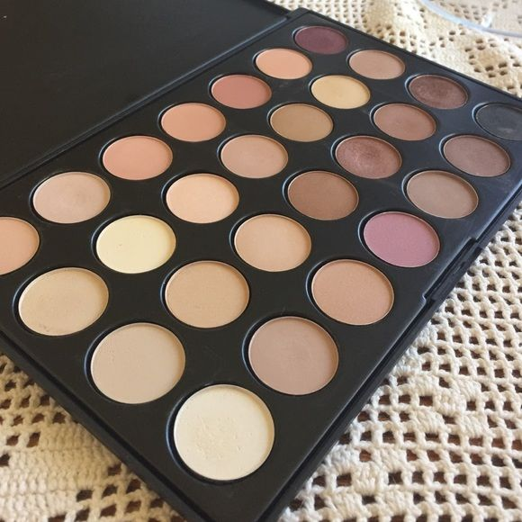 Neutral eyeshadow palate Only used a few times! I just don't reach for it because I have other palates!! Great colors! Makeup Eyeshadow